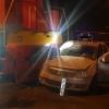 В Красноярске водитель протаранил шлагбаум и столкнулся с тепловозом
