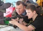 В Шарыпово воспитанники клуба «Щит» и милиционеры соревновались в стрельбе