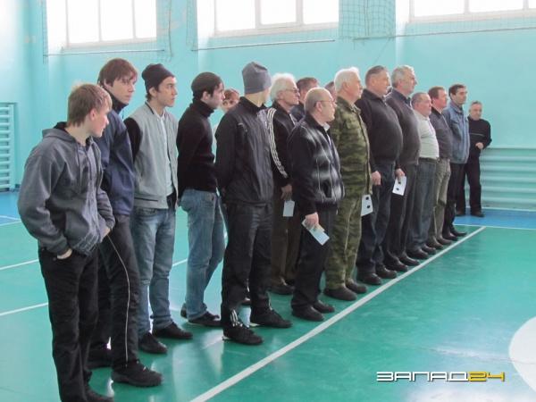 Подходят к завершению игры первенства города назарово по мини-футболу 2012-2013 года