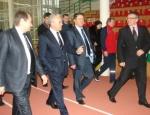 В Ачинске Александр Усс посетил спортивные объекты
