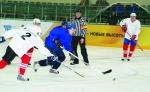 В Ачинске прошли финальные игры чемпионата края по хоккею с шайбой