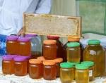 С рынков Ачинска изъяли мед и шпик