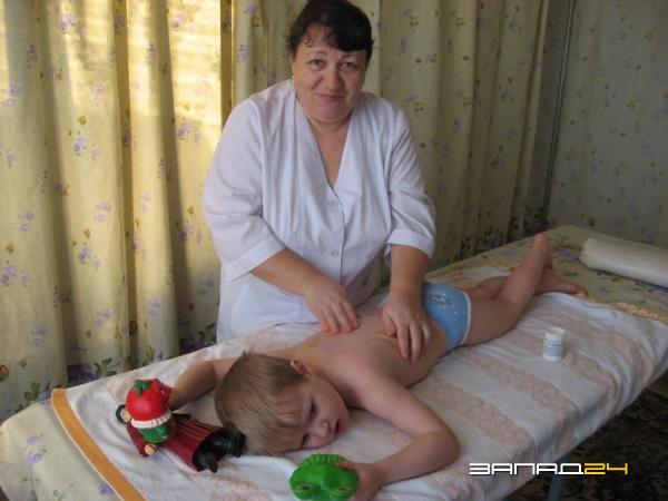 Медсестра по массажу детского сада