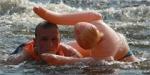 Администрация Красноярска запретила проведение заплыва на надувных женщинах