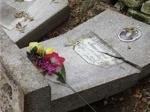 Ачинский водитель врезался в могилы