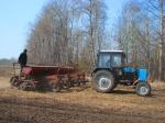 Почти все хозяйства Ачинского района приступили к весенне – полевым работам