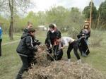 В Минусинске прошел субботник по уборке Парка культуры и отдыха
