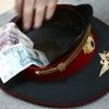 Красноярский полицейский получил взятку за рекламу