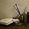 Ачинцев приглашают провести ночь в мастерской художника