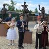Красноярец установил в Хакасии скульптуры детей-музыкантов