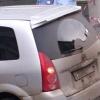 В центре Красноярска Mazda провалилась в яму