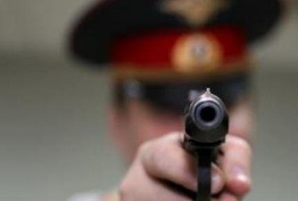Шарыповские полицейские начали контрольный отстрел оружия ИА Запад Шарыповские полицейские начали контрольный отстрел оружия