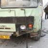 """В Норильске микроавтобус """"Тойота Хайс"""" столкнулся с рейсовым автобусом"""