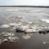 В Енисейске спасли рыбаков с оторвавшейся льдины
