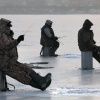 В Шарыповском районе с оторвавшейся льдины спасли 18 рыбаков