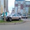 В Красноярске по неизвестным причинам автомобиль врезался в столб