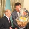 Глава Ачинска Илай Ахметов поздравил с 95-летним с юбилеем участника Великой Отечественной войны