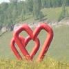 На трассе Ужур-Шарыпово появился новый арт-объект для влюбленных