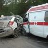 """В Красноярске машина """"скорой помощи"""" врезалась в иномарку, есть пострадавшие"""
