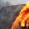 В Абакане ночью сгорел дачный домик