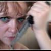 В Абакане пьяная девушка набросилась с ножом на своего сожителя