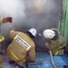 В Абакане произошёл пожар в бараке: 10 человек спасены