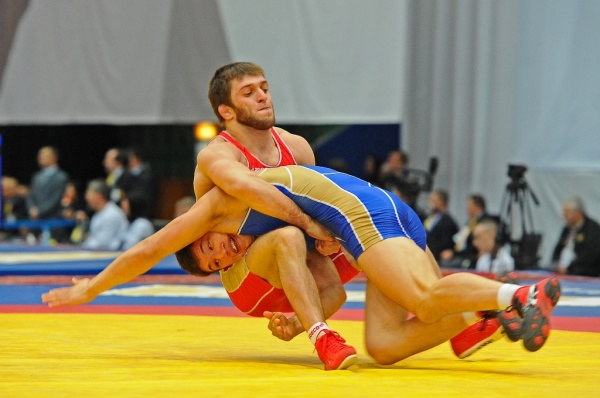 http://zapad24.ru/uploads/posts/2015-01/1421982050_israil-kasumov-pobeditel-turnira_2014.jpg