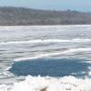 В Хакасии женщина с ребенком провалились под лед