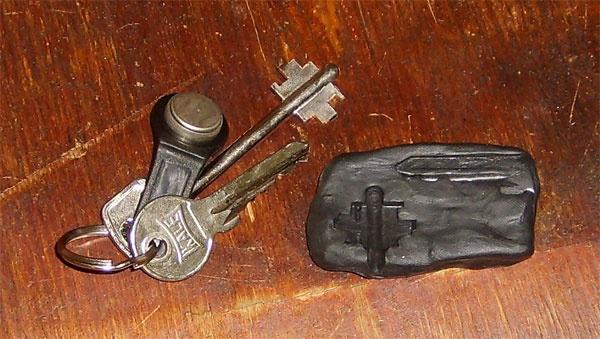Как сделать слепок ключа из пластилина