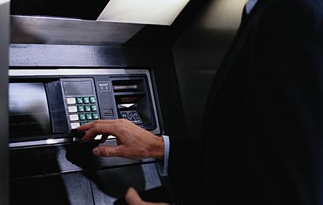 В Красноярске менджер обманул банк на 10 млн рублей