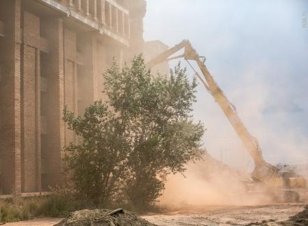 Генпрокуратура недовольна пылью отсноса здания крайкома вКрасноярске