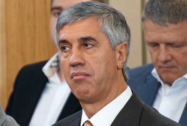 ВСподтвердил законность снятия свыборов Анатолия Быкова
