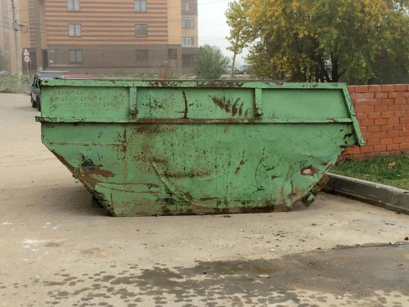 Молодая девушка найдена мертвой вмусорном контейнере вЗеленой Роще Красноярска