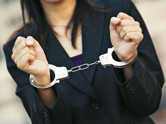 В Красноярске за взятку арестована сотрудница ИФНС