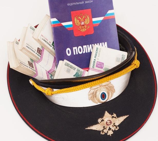 ВКрасноярском крае полицейские продали «блатной» номер за40 тыс. руб.