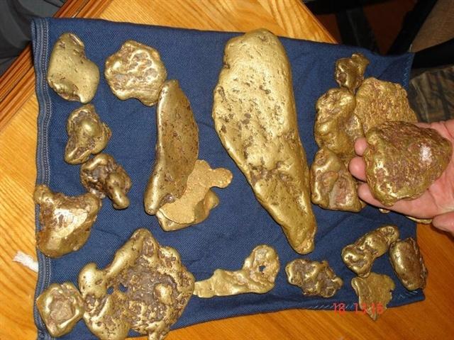 Уральские экс-полицейские осуждены завзятки изакражу золота вСибири