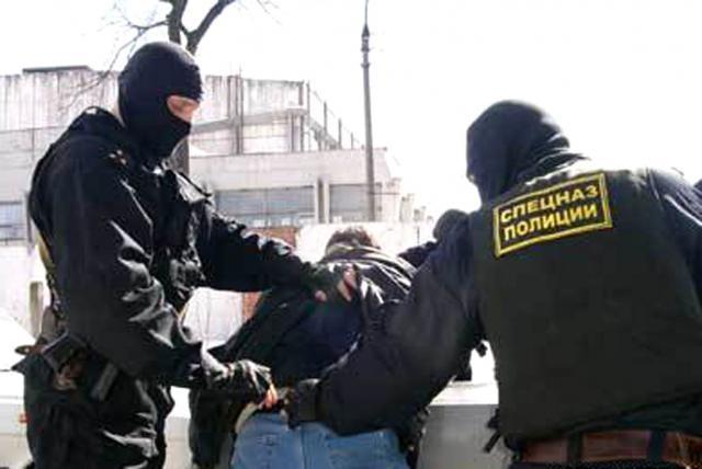 ФСБ заподозрила полицейского в«крышевании» наркоторговцев