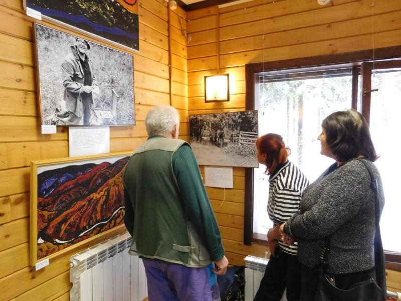 На «Столбах» открылась выставка Поздеева