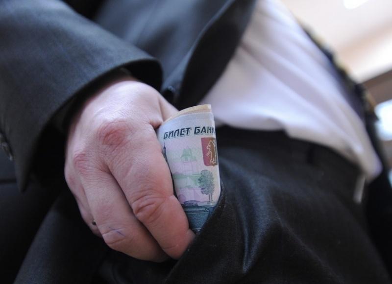 Руководитель сельсовета Енисейского района выделил себе наюбилей дотацию