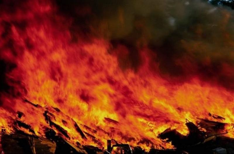 ВКрасноярске ночью подожгли два павильона наКалинина