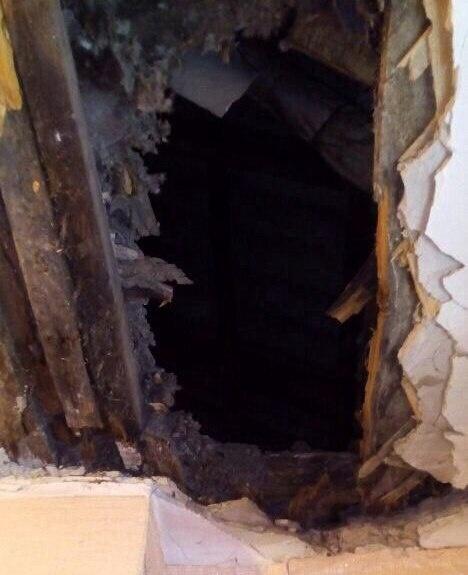 ВКрасноярске водном изаварийных домов обвалился потолок