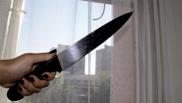 Ревнивая жительница Красноярска сножом напала на16-летнего возлюбленного