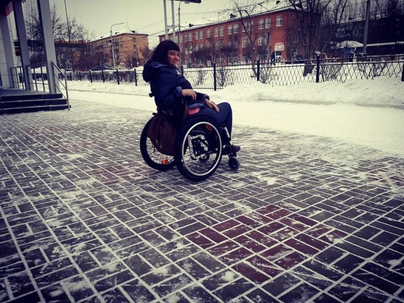 Красноярская милиция проверяет бар, вкоторый непустили девушку винвалидной коляске
