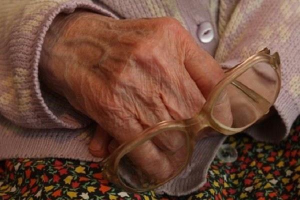 ВКрасноярске знакомый сына ограбил пенсионерку на млн. руб.