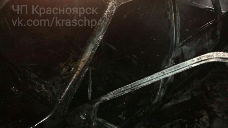 ВКрасноярске мужчина чуть несгорел живьем всвоем авто