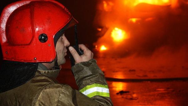 Серьезный пожар вЕрмаковском: пламенеют мебельные цеха