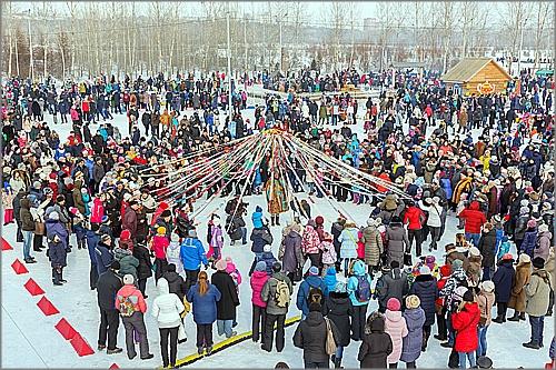 Красноярцы ярко подчеркнули Масленицу вТатышев-парке