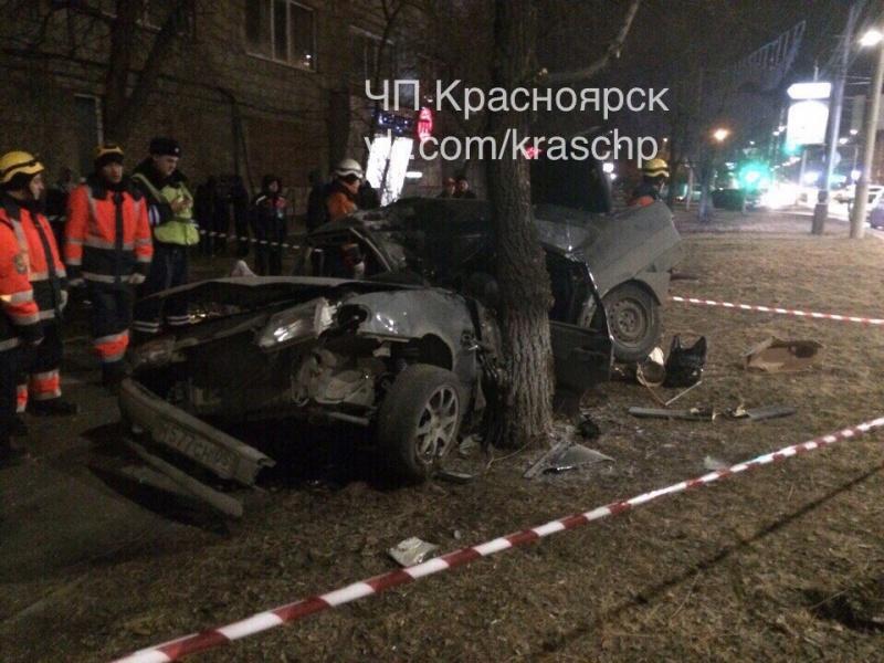 В трагедии наулице Высотной насмерть разбился шофёр ВАЗа
