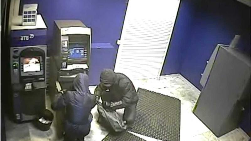 ВКазачинском районе украли деньги изплатёжного терминала