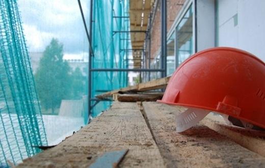 ВКрасноярске наместе возведения ледового замка умер рабочий